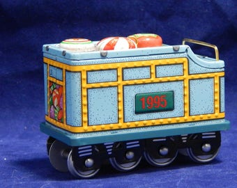 Yuletide Central Tinder Car - 1995 Keepsake Oranment - Second in the Series (Runs on Candy!)