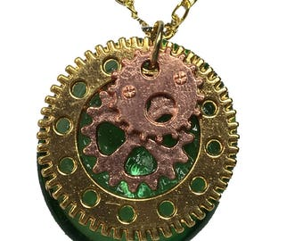 Eternal Emerald Tone Steampunk Glass Pendant with 18 Inch Chain Necklace