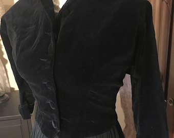 Vintage 50s cropped black velvet jacket XS/S