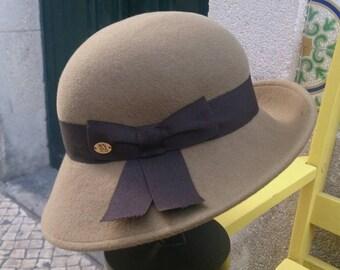 Breton felt cloche hat - 50s slyle - Camel