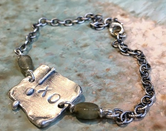 Labradorite beads bracelet, XO bracelet, Chain bracelet, sterling silver bracelet, personalised bracelet, stamped plate - Connection B3021