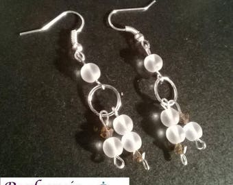 Earrings in opaque glass beads and swarovski crystal beads
