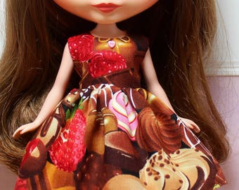 BLYTHE doll Its my party dress - box of chocolates