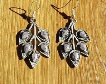 Alpaca earrings with lilac-colored stone. Afghan earrings. Purple stone earrings.