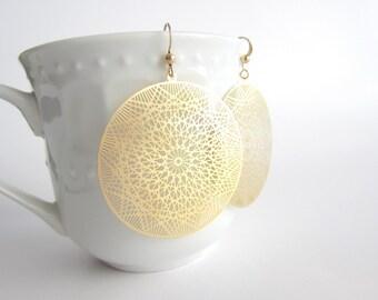 Gold Filigree Earrings, Laser Cut Earrings, Delicate Earrings, Round Gold Earrings, Dreamcatcher Earrings, Trendy Jewelry, big earrings