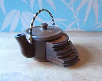 Kitsch wooden teapot cork coaster holder