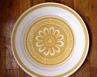 Casablanca Yellow Daisy Set Of Six Plates & Daisy plates | Etsy