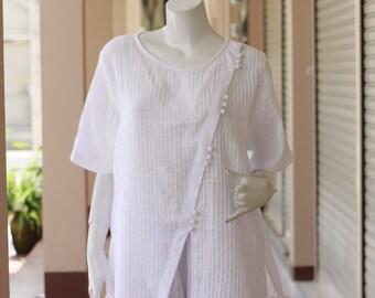 SALE 40% OFF--B231---So Pretty (Cotton blouse with pleats)