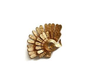Vintage 1980's Gold Tone Fan Brooch // Large Fan Brooch