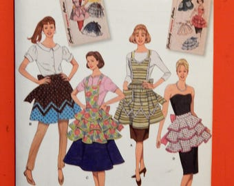 Simplicity 2592 Retro fancy apron pattern Uncut Sizes small (10-12), medium (14-16) and large (18-20)