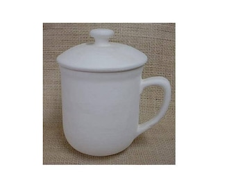 Coffee cup (14 oz) with cover to keep you coffee or chocolate Hot - in bisque for you to finish