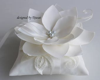 Ring bearer pillow, wedding ring pillow with Lily flower and embroidering---wedding ring bearer, ring pillow, ready to ship