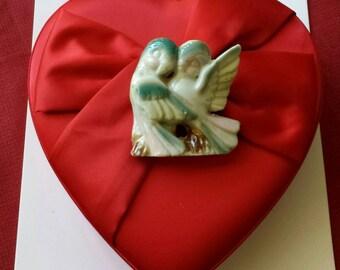 Vintage ceramic porcelain lovebirds figurine