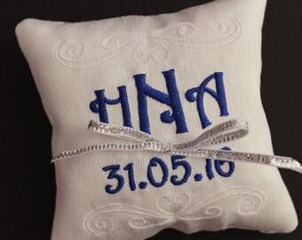 Ring bearer pillow, Customizable wedding ring pillow, Monogrammed ring pillow , Custom embroidered ring bearer pillow, 4x4 or 7x7