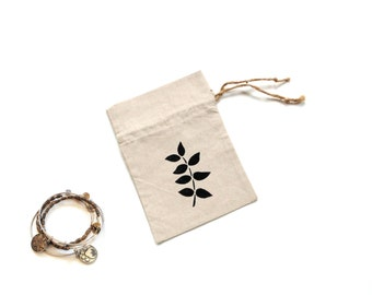 Linen fabric gift bag, drawstring pouch, jewelry travel bag, tea party favor gift bag, leaf motif, reusable packaging