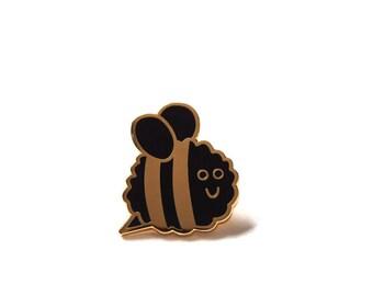 Bee Pin Badge, Enamel Pin, Lapel Pin, Bee Lover Badge, Bee Brooch, Enamel Pin Badge, RockCakes