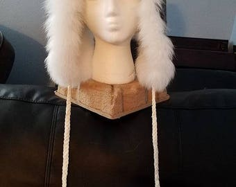 Reversible arctic fox and mouton trapper hat