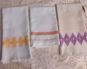 3 White HUCK Geo TEA TOWELS Gold Mauve & Lavender Swedish Embroidery Designs, Vintage Kitchen Gift Sturdy Washable Cotton 17 x 23, 17 x 18