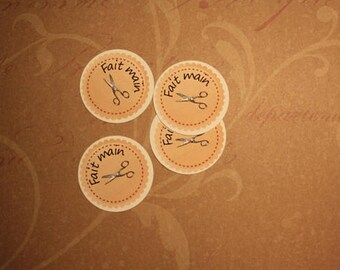 """20 round tags """"Handmade"""" for Quilters"""