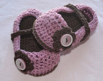 Crochet Baby Booties, Baby Girl Mary Jane Slippers, Newborn Shoes,Pink With Brown Sole,Brown Flower, Can Be All Colors You Choose