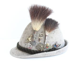 Hunter Hat ,Gamsbart ,EUROP, Wild Boar Hair, Hat Pin, 12 different Hat Pins, Boar Brush, Feather