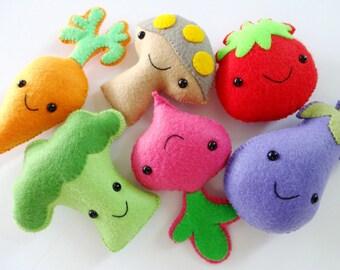 Felt Veggie Softies Sewing Pattern - Toy Tutorial - PDF e PATTERN - Tomato, Mushroom, Carrot, Broccoli, Beet & Eggplant