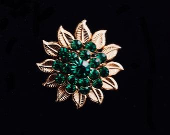 Early 1960's Gold Tone Emerald Green Brilliant Rhinestone Brooch
