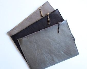 Hand made leather clutch minimlaist evening bag cosmetics zippered pouch leather clutch hand made