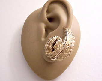 Monet Curled Leaf Florentine Clip On Earrings Gold Tone Vintage Pat Pend Large Brushed Lined Detailed Comfort Paddles