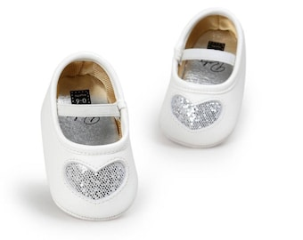 Silver Heart Glitter Shoes, Baby Shoes, Baby Girls Shoes,  Baby Shoes, Baby Shoes, Mocassins, Baby Shoes