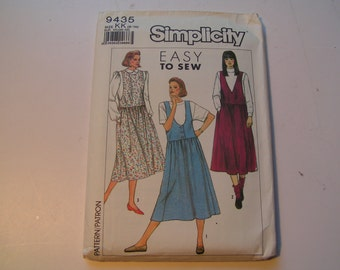 Simplicity Pattern 9435 easy to sew Miss Jumper