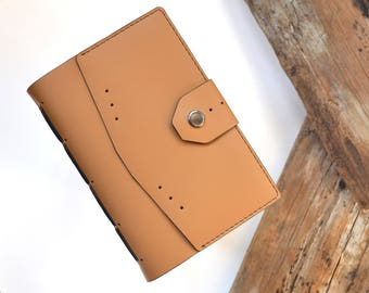 Custom leather journal for women Handmade leather notebook Personalized travel journal Leather goods Leather diary for women Journal gift