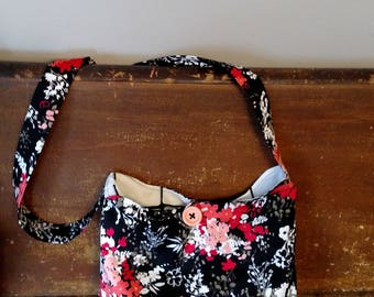 Corail et sac à main noir