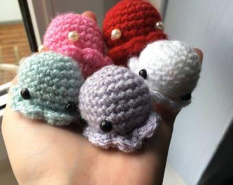 Tiny octopus crochet plushie  •  Mohu pattern