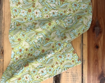 Green paisly burp cloth