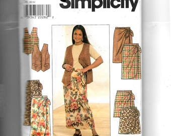 Simplicity Women's Vest, Skirt and Shorts Pattern 7614
