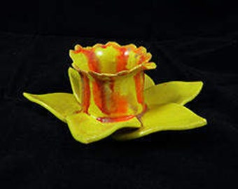 ceramic daffodil candle holder