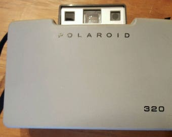 Vintage Polaroid 320 Land Camera / Untested