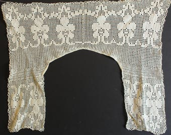 Crochet/tatted collar vintage shabby chic