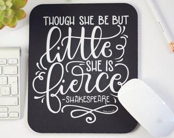 Tapis de souris - elle être mais peu, elle est féroce - tapis de souris alphabétiques à la main