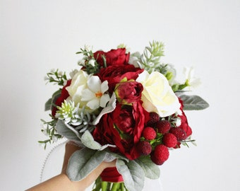 small/medium sized custom made bridal bouquet (non cascading)