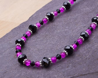 Pink and Black necklace - Bright cerise pink crackle glass and black bead necklace | Beaded jewelry | Colourful accessories |