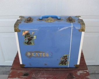 Vintage Chicago Roller Skates Womens With Pom Poms Carrying Case Poodle Decals.
