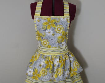 Floral Retro Women's Apron, Cute Vintage Style Women's Apron, Woman's Apron, Pin Up Apron, Woman's Retro Apron