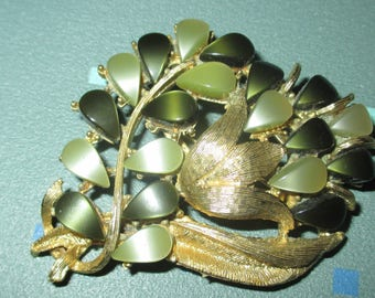 Vintage MOD Thermoset Lucite Two Tone Green Flower Motif Pin