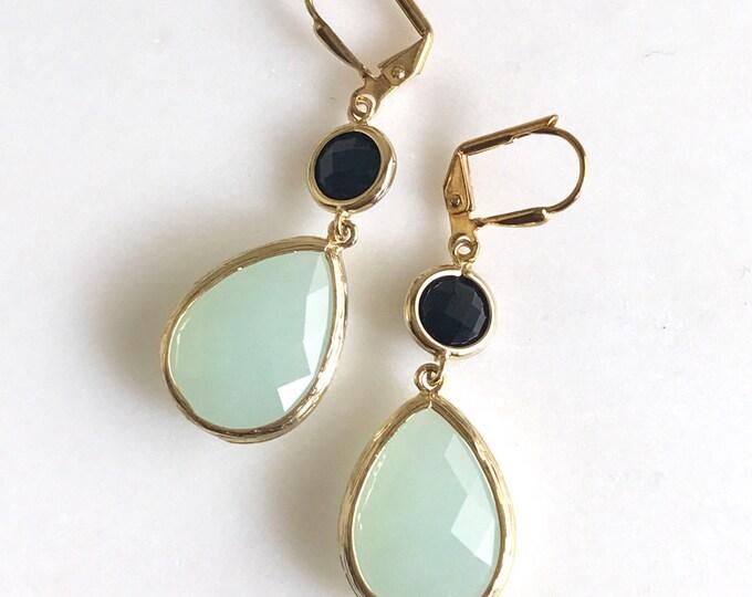 SALE - Pale Mint Teardrop and Black Dangle Bridesmaid Earrings in Gold.  Glass Drop Earrings. Mint Dangle Earrings. Jewelry. Gift for Her.