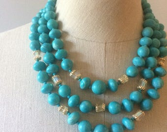 Beautiful teal aqua beaded necklace woth irridescent and gold accents