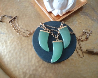 beautiful, bohemian green jade claw/ tooth statement necklace