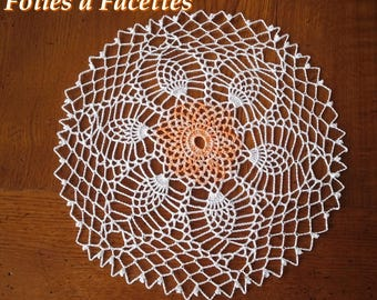 Round doily white and gradient pineapple orange crochet cotton