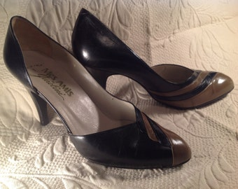 Vintage Black  and Tan leather High Heel Pumps By Garolini Mes Amis Made In Italy